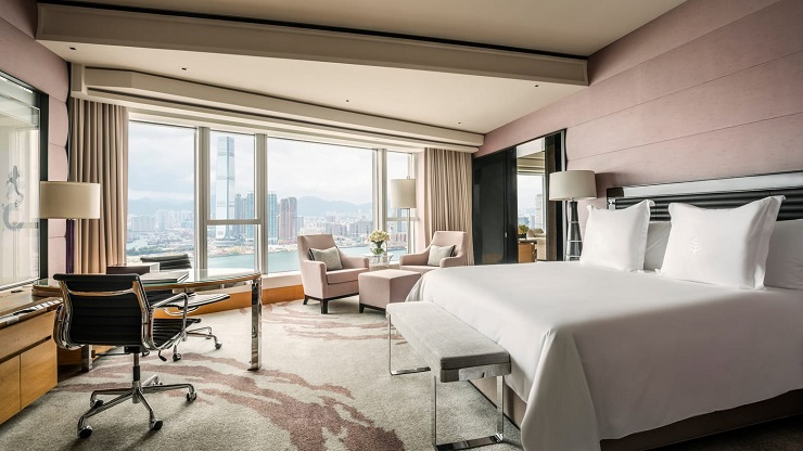 Staycation Series #7 Four Seasons Hong Kong