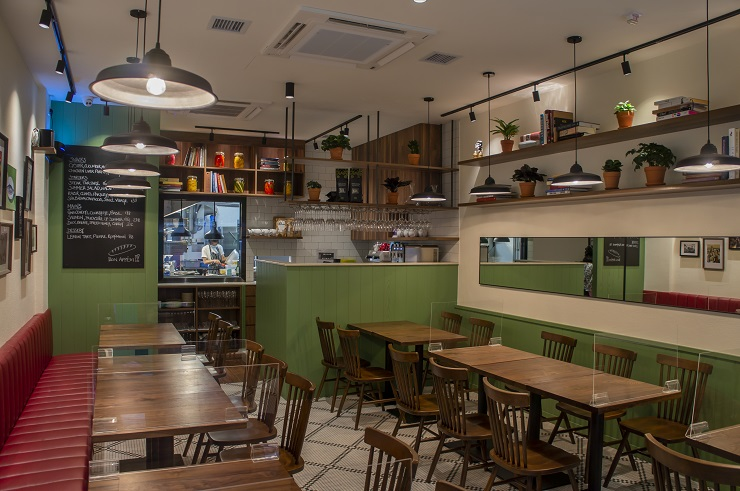 Wan Chai welcomes a new French joint and jean may is all you can expect from a bistro: welcoming, tasty and affordable