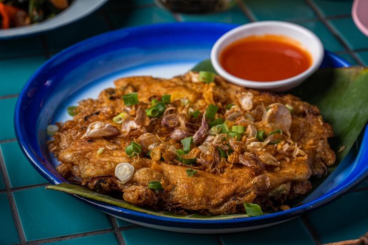 Sip Song, Thai feast on the beach