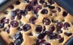 Summer dessert - Healthy cherries and almond cake