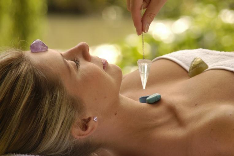 Reiki, Lithothérapie, Aromathérapie... les méthodes bien-être à essayer d'urgence