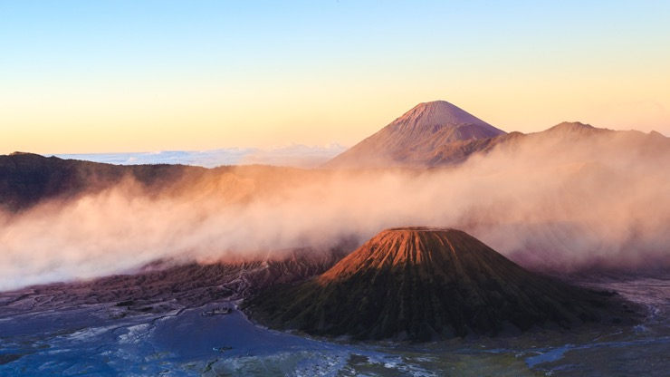 https://www.shantitravel.com/fr/voyage-indonesie/bali/trek-java-bali/?utm_source=hong-kong-madame