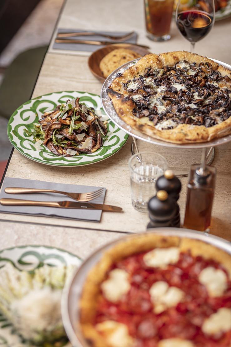 """Emmer Pizzeria & Café : """"qu'ils mangent de la pizza"""""""