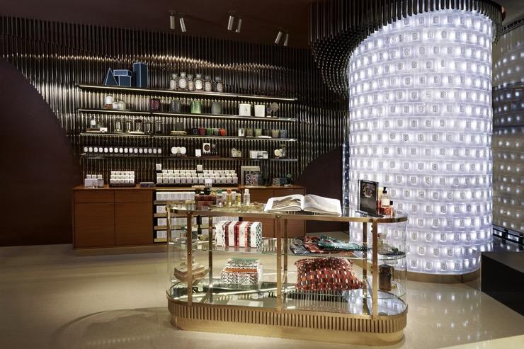 diptyque ouvre sa nouvelle boutique et collabore avec l'artiste français Nicolas Lefeuvre