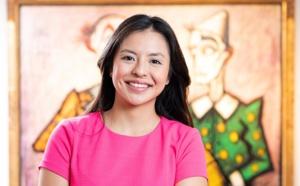 Portrait de femme – Sharlane, Directrice Opera Gallery à Hong Kong