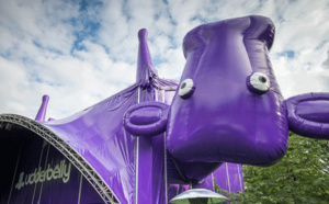 The Udderbelly Festival s'installe au Central Harbourfront Event Space
